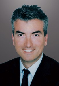 DR KANELLOPOULOS_head shot1